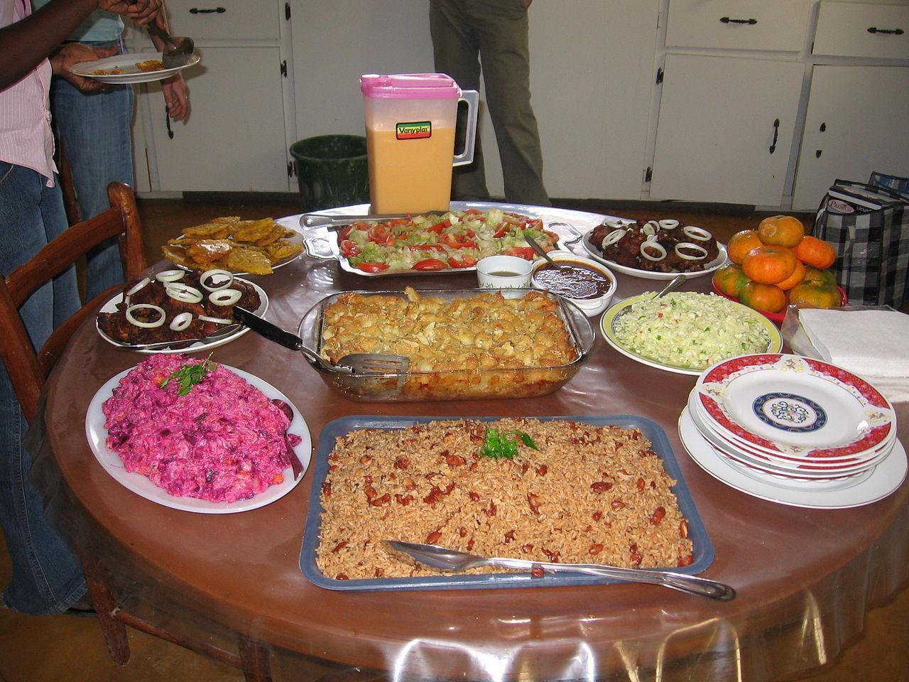 The round table 10 rezon ayisyen sipoze fye de tet yo - French creole cuisine ...