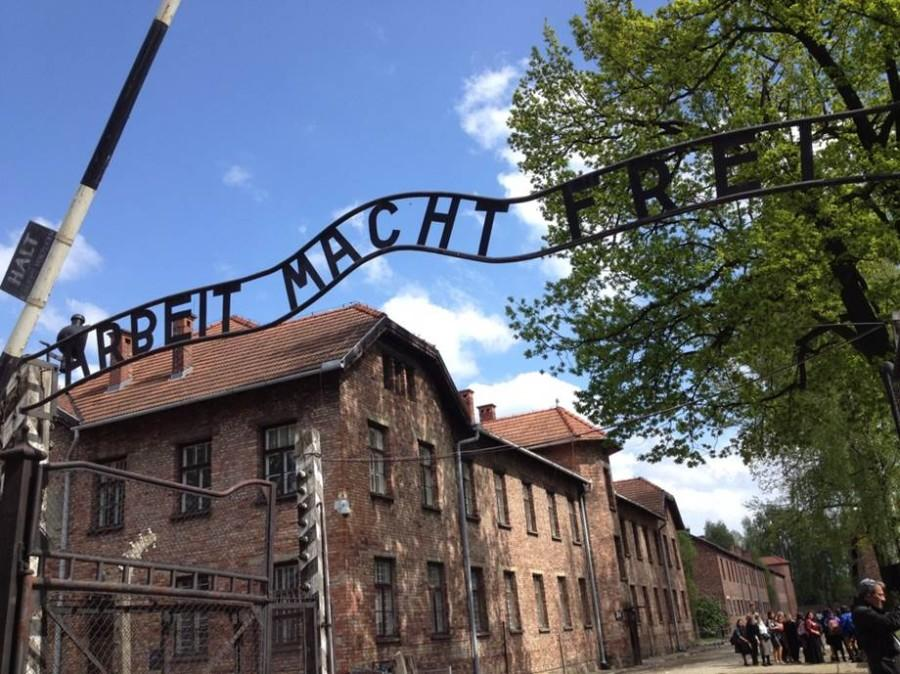 The+entrance+sign+at+Auschwitz+says+%22Arbeit+macht+frei%22+which+translates+to+%22Work+makes+you+free.%22