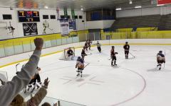 Hockey Teams falls to Ridgefield Tigers