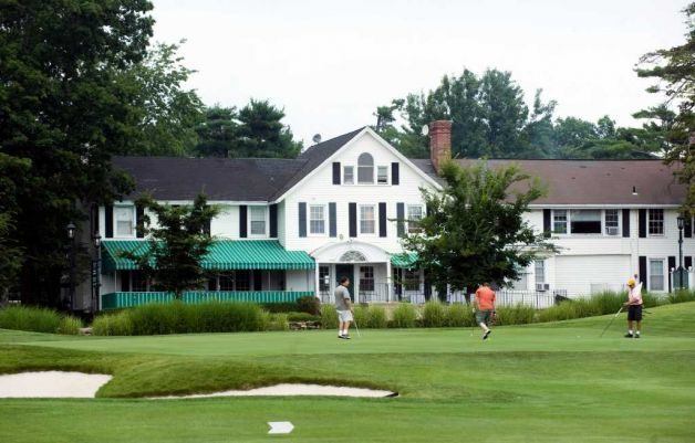 Connecticut Golf Courses Remain Open