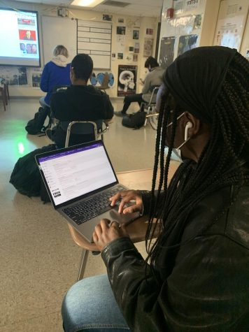 Stamford High Junior is selecting her courses for the upcoming school year.