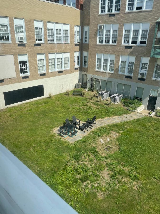 Media center courtyard that is often overlooked by Stamford High students and teachers